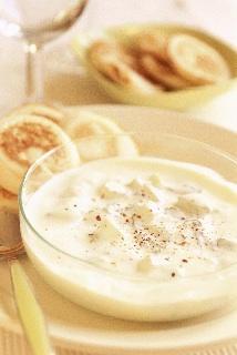 Concombre au yaourt et blinis maison